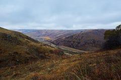 El valle en prados de la caída Fotos de archivo libres de regalías