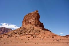 El valle famoso del monumento según lo visto en un día hermoso en el verano foto de archivo