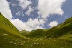 El valle resuelve el cielo Fotografía de archivo