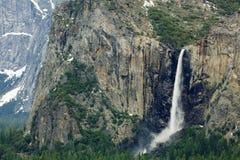 El velo nupcial de Yosemite baja horizontal Imágenes de archivo libres de regalías