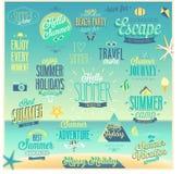El verano y el viaje fijaron - las etiquetas y los emblemas Imagen de archivo libre de regalías
