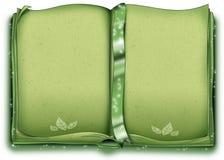 El verde adornó el libro Imagen de archivo libre de regalías