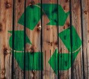 El verde recicla insignia Imagen de archivo