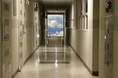 El vestíbulo lleva al cielo Fotografía de archivo