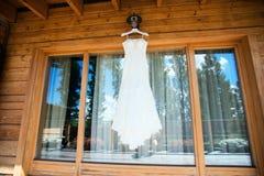 El vestido de boda perfecto Foto de archivo libre de regalías