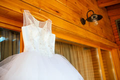 El vestido de boda perfecto Imágenes de archivo libres de regalías