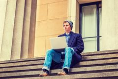 El viajar americano del estudiante universitario, estudiando en Nueva York Imagen de archivo libre de regalías