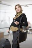 El viajar de la mujer embarazada Fotos de archivo