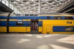 El viajar en tren en Europa fotos de archivo