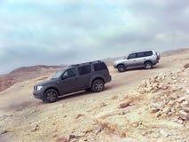 El viajar en un desierto foto de archivo