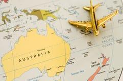 El viajar plano sobre Australia Imagenes de archivo