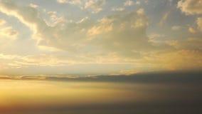 El viajar por el aire Visión a través de una ventana del aeroplano metrajes