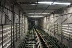 El viajero de la gente tailandesa y del extranjero utiliza el ferrocarril funicular Foto de archivo libre de regalías