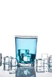 El vidrio de agua aisló Fotos de archivo
