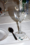 El vidrio en la tabla Foto de archivo
