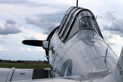 Viejo cierre de la carlinga del motor del avión de combate para arriba Foto de archivo libre de regalías