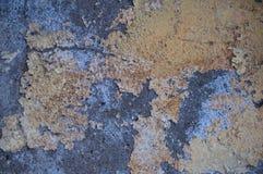 El viejo grunge pintó el fondo de la textura de la pared con los rasguños y las grietas Fotos de archivo libres de regalías