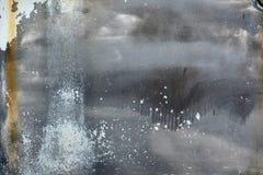 El viejo grunge rasguñó negro blanco pintado coloreado oxidado de la placa del coche fotografía de archivo libre de regalías