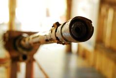 El viejo uso del arma del rifle en la Segunda Guerra Mundial Imagen de archivo libre de regalías