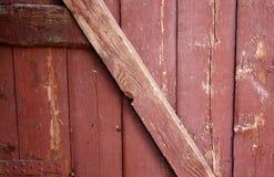 El viejo vintage texturiz? el fondo de los tableros de caoba de la puerta del interior fotografía de archivo libre de regalías