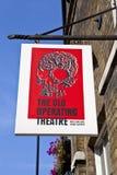 El viejos teatro y Herb Garret de operaciones en Londres imagenes de archivo