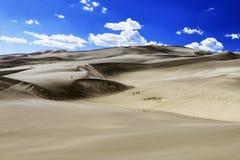 El viento barrió las grandes dunas de arena Fotografía de archivo libre de regalías