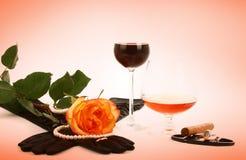 El vino del coñac y se levantó Imagenes de archivo