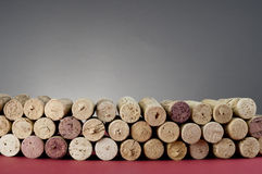 El vino tapa el primer con corcho. Fotos de archivo libres de regalías