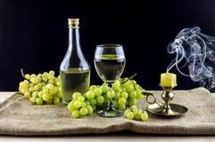 El vino y las uvas Imagen de archivo