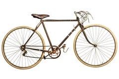 El vintage aherrumbró bici de la raza aislada en blanco Foto de archivo libre de regalías