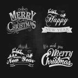 El vintage de la Navidad y del Año Nuevo marca etiquetas del texto con tiza Imágenes de archivo libres de regalías
