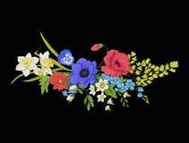 El vintage del bordado florece el ramo de amapola, narciso, anémona, Fotos de archivo