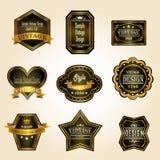 El vintage negro brillante del oro y las insignias retras diseñan stock de ilustración