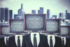 El vintage TV dirigió a hombres de negocios stock de ilustración