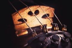 El violín ata los detalles Imagen de archivo