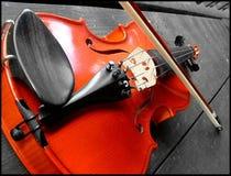 El violín rojo Imágenes de archivo libres de regalías