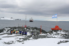 El visitar de los turistas del barco de cruceros Imagen de archivo