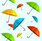 El volar colorido de los paraguas del vector inconsútil del modelo Imágenes de archivo libres de regalías