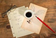 El volar con una taza de café Fotografía de archivo