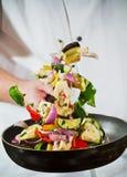 El volar de las verduras frescas Fotografía de archivo