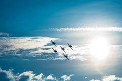 El volar de los aviones Imagen de archivo libre de regalías