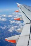 El volar en un avión de Jetsar A320 sobre las montañas de Kaikoura Foto de archivo libre de regalías