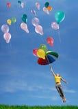 El volar para arriba en el cielo fotos de archivo