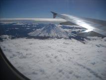 El volar sobre el Cotopaxi foto de archivo libre de regalías