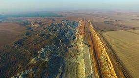 El volar sobre la mina del mineral almacen de metraje de vídeo