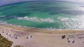El volar sobre la playa almacen de metraje de vídeo