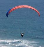 El volar sobre la resaca Fotos de archivo libres de regalías