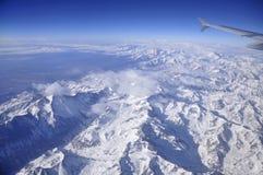 El volar sobre las montañas de los Andes Foto de archivo libre de regalías