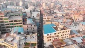 El volar sobre un área china denso poblada metrajes