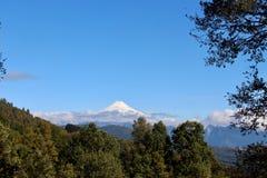 El volcán activo Villarrica fotografía de archivo